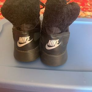 Nike weather boots